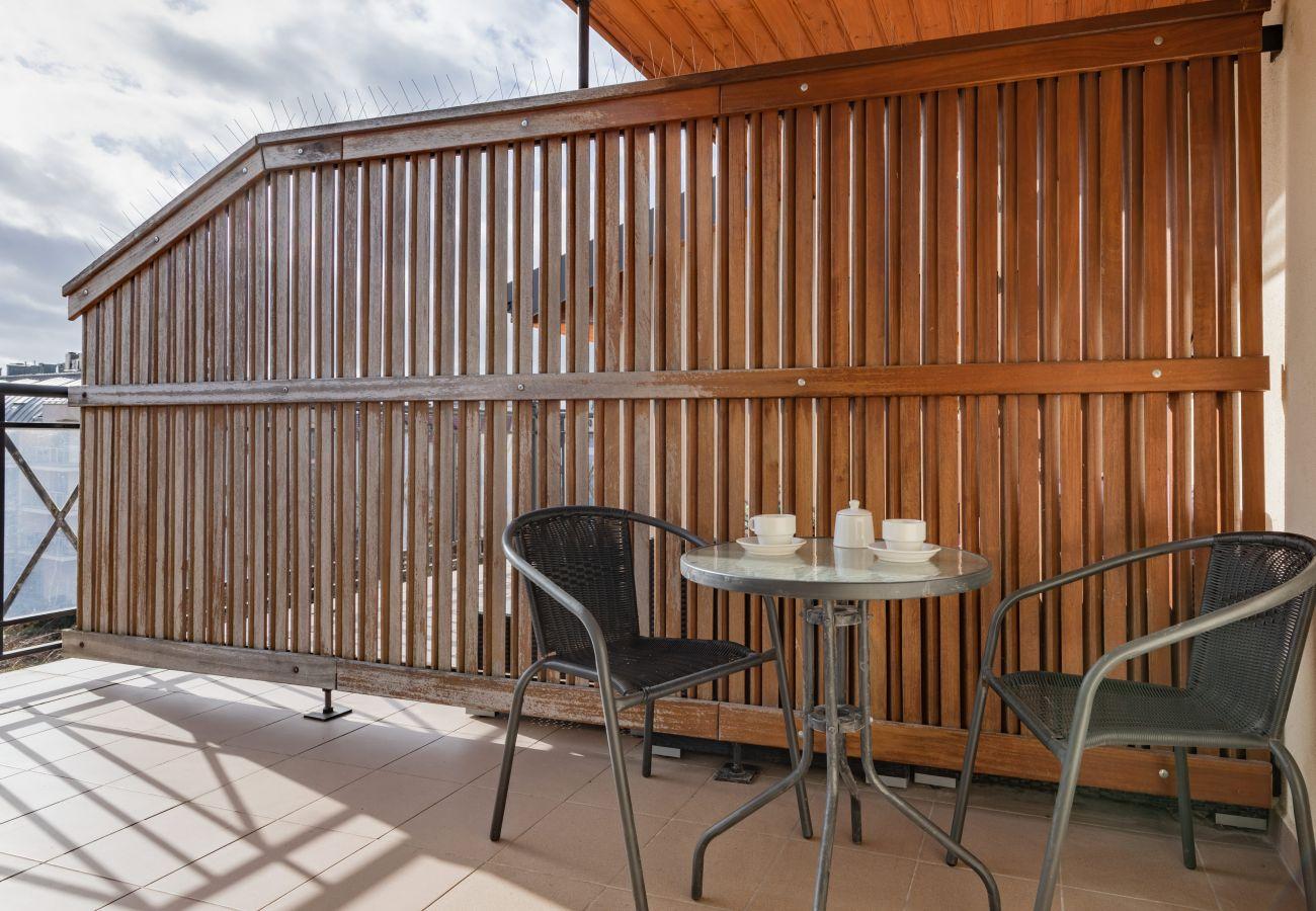 apartament, wynajem, nocleg, balkon, widok, meble ogrodowe, kawa, promenada, Baltic Park, Świnoujście