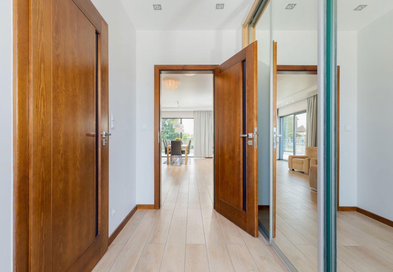interior, entrance, wardrobe, mirror, rent