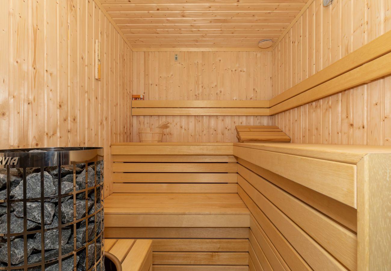 sauna, wyposażenie, sauna drewniana, sauna domowa, sauna wewnętrzna, wnętrze, wynajem