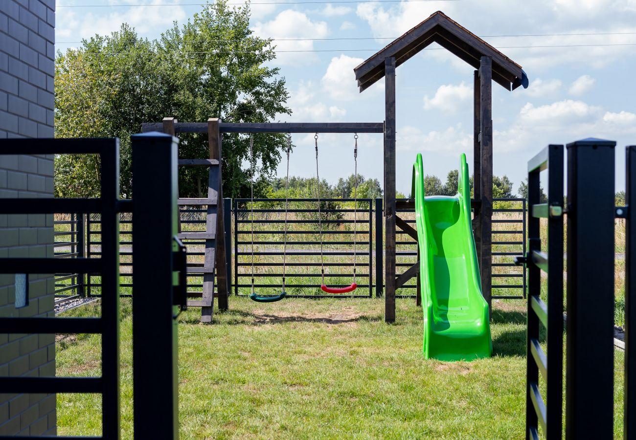 ogród, na zewnątrz, plac zabaw dla dzieci, meble ogrodowe, widok na zewnątrz, wynajem