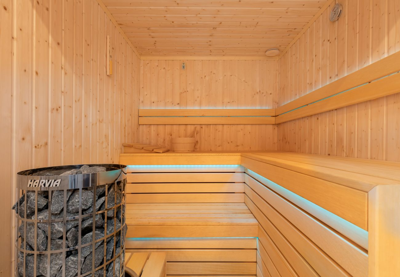 wnętrze, sauna wnętrze, sauna wewnętrzna, sauna drewniana, piętro, wynajem