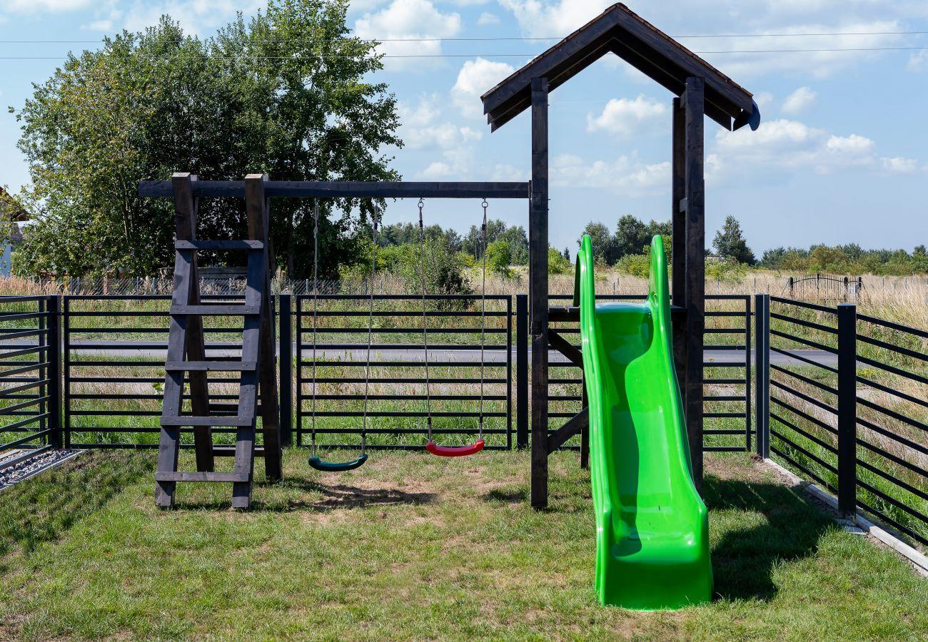 ogród, na zewnątrz, widok na zewnątrz, plac zabaw dla dzieci, meble ogrodowe, wynajem
