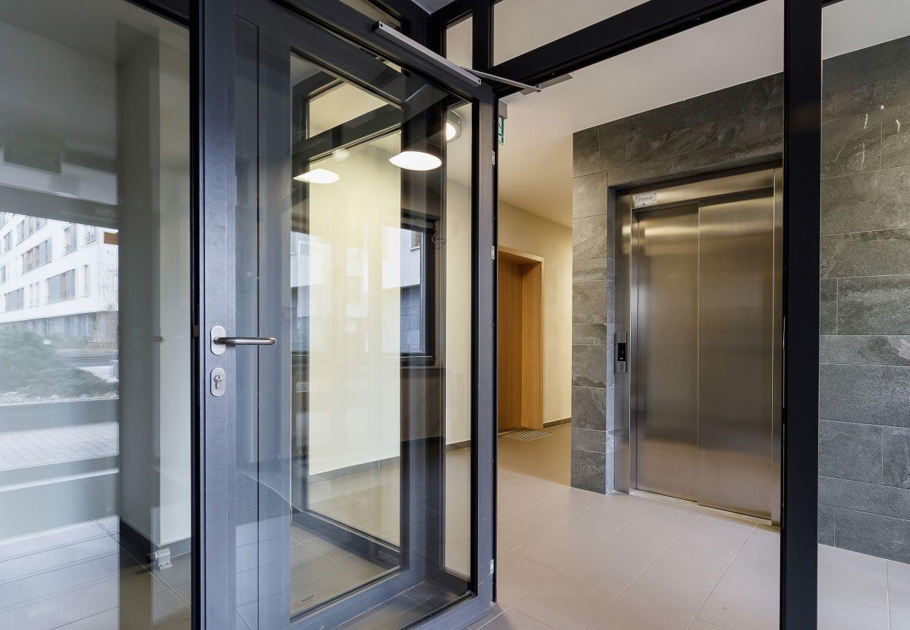 wnętrze, korytarz, budynek mieszkalny wnętrze, budynek mieszkalny, apartament, wejście, wynajem