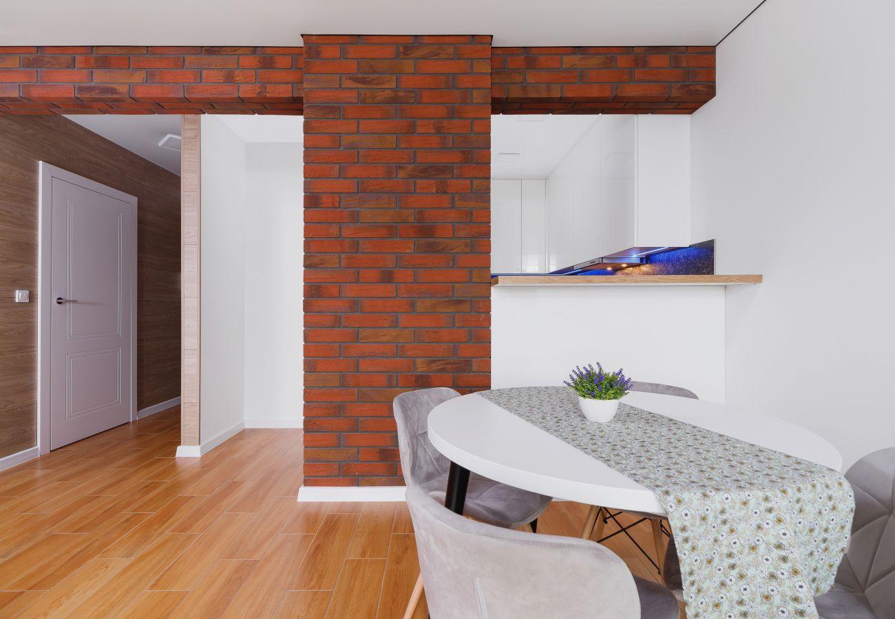 jadalnia, stół, krzesła, mieszkanie, wnętrze, wynajem, salon